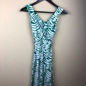 Banana Republic Womens Dress Green Leaf Pattern XS